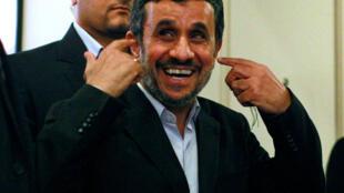 O ex-presidente iraniano Mahmud Ahmadinejad em 2012, durante uma de suas polêmicas intervenções nas Naçoes Unidas