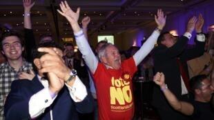 La réaction des partisans du «non» à l'indépendance, à Glasgow, le 19 septembre 2014.