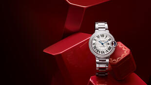 """Relógio """"Ballon Bleu"""" da coleção da relojoaria de luxo de Cartier."""