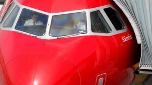 苏黎世机场的一架A320-214飞机