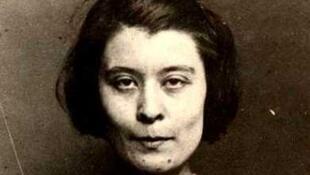 Germaine Berton, née le 7 juin 1902 à Puteaux (Seine) et morte suicidée le 5 juillet 1942 à 40 ans à Paris, est une ouvrière métallurgiste, militante syndicaliste et anarchiste française. Photo de 1923