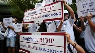 Des manifestants participent à un défilé de soutien à Hong Kong, le 27 juin 2019 à Osaka, au Japon, où se tient le sommet du G20 les 28 et 29 juin.