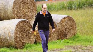 Tomislav Kifer, comme de nombreux agriculteurs croates, possède des terres éparpillées à plusieurs kilomètres les unes des autres. Un réel handicap.