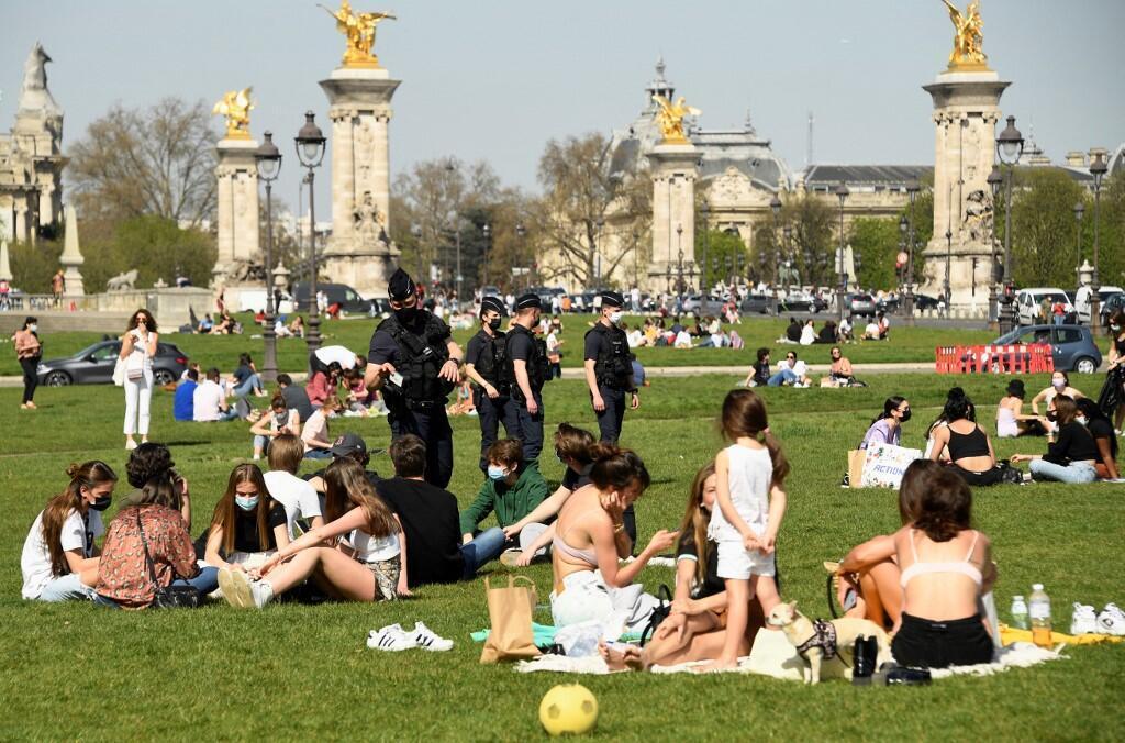 Police Paris Covid