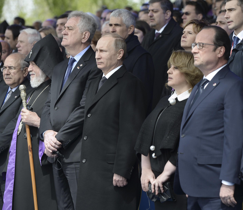 亚美尼亚举行隆重仪式纪念亚美尼亚人遭奥斯曼帝国大屠杀惨剧一百周年