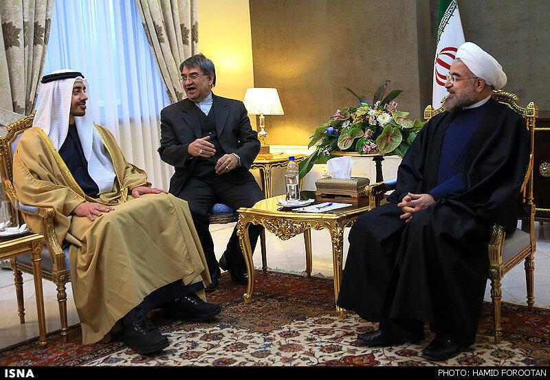 حسن روحانی، رییس جمهوری ایران در ملاقات با وزیر امور خارجۀ امارات متحد عربی، شیخ عبدالله بن زاید آل نهیان