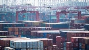 Vue du port chinois de Yangshan (illustration).