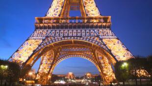 法國2015年依然是接待外國遊客最多的國家