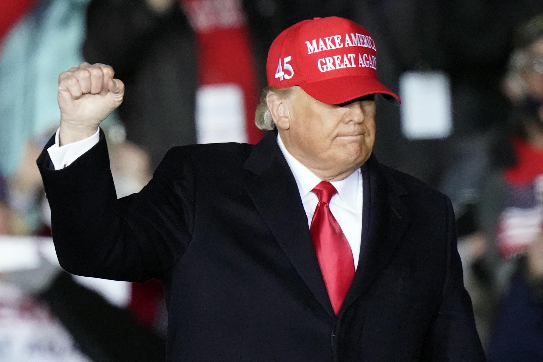 Rais wa Marekani Donald Trump wakati wa kampeni yake i huko Roma, Georgia, Novemba 1, 2020.