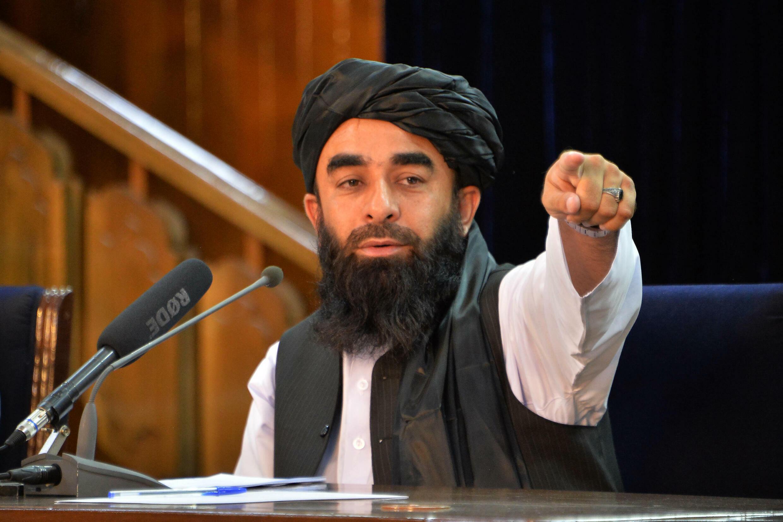 El principal portavoz de los talibanes, Zabihullah Mujahid, durante una rueda de prensa en Kabul el 24 de agosto de 2021