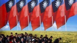 抵达台北出席双十节庆典的外国贵宾