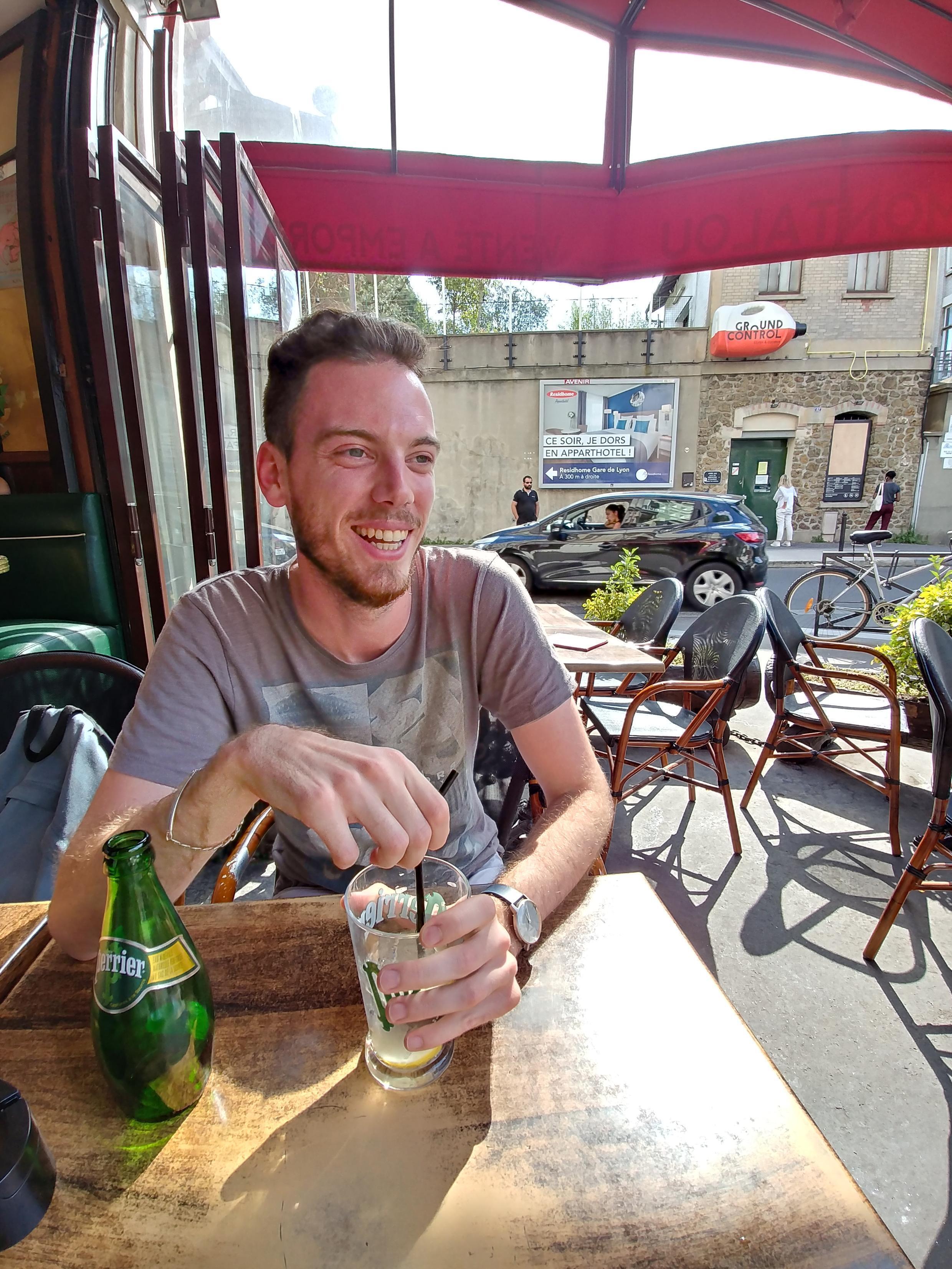 O estudante francês Thibault Frayer, que utiliza o Truvada em função de sua atividade sexual