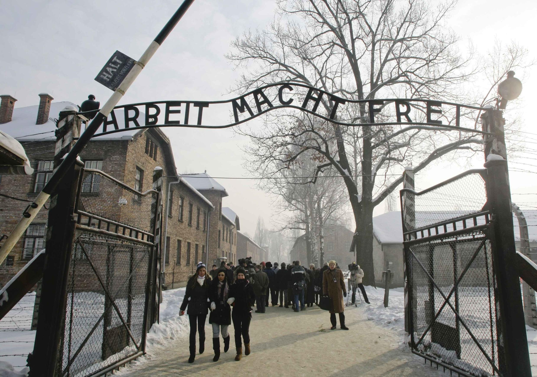 L'entrée du camp Auschwitz-Birkenau. Image d'archive du 22 janvier 2009.