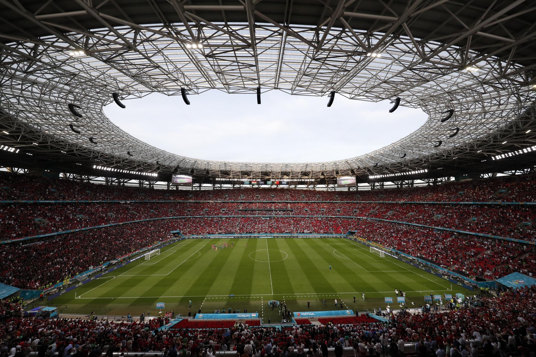 Ảnh minh họa: Sân vận động Ferenc Puskas chật kín người trong trận đấu giữa hai đội tuyển Hungary và Bồ Đào Nha, ngày 15/06/2021, Budapest, Hungary.