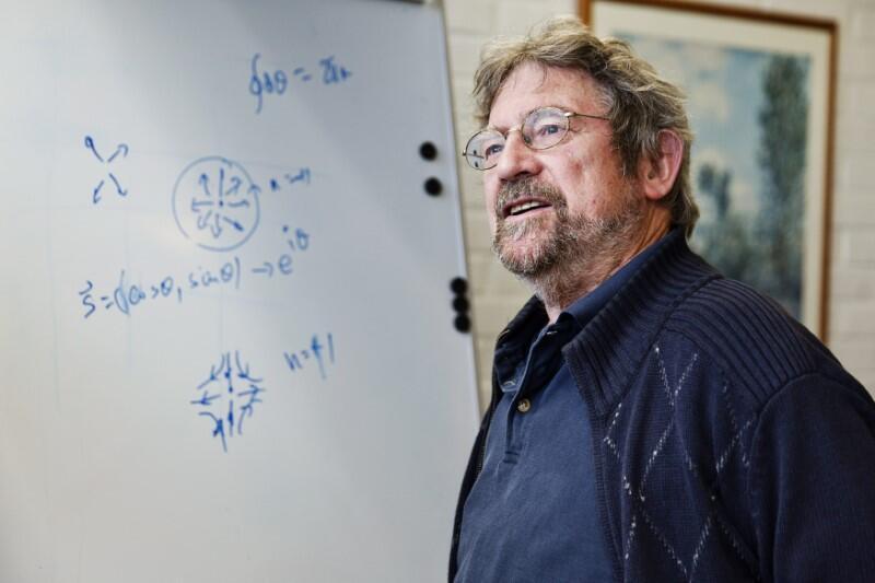 Лауреат Нобелевской премии по физике 2016 года Майкл Костерлиц