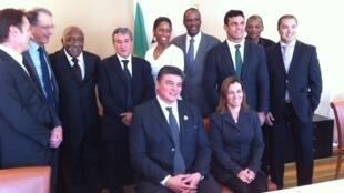 Brasileiros e franceses ligados ao esporte assinam parceria em Paris.