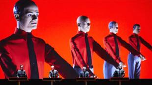Le groupe allemand de musique électronique Kraftwerk.