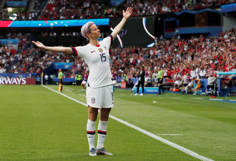 Megan Rapinoe, milieu de terrain des Etats-Unis, a marqué sur coup franc direct face aux Françaises.