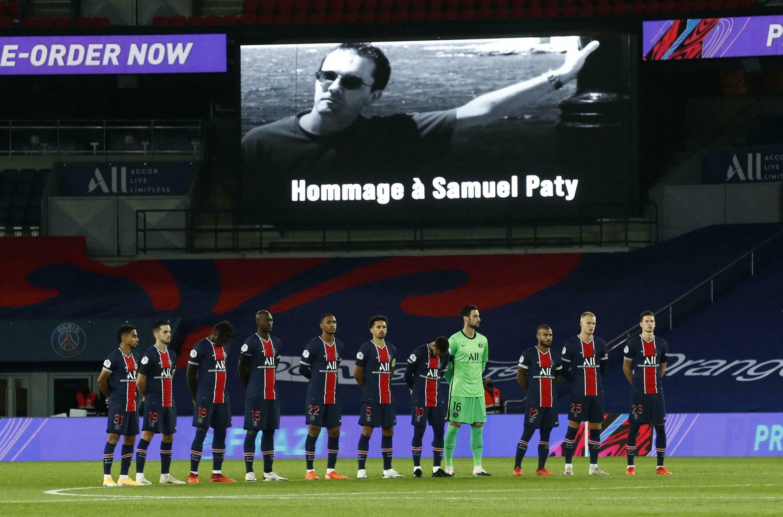 Le PSG rendant hommage à Samuel Paty lors de la réception de Dijon, le 24 octobre 2020.