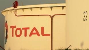 Total franchit la Manche pour participer à l'essor des gaz de schiste au Royaume-Uni.