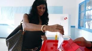 Durant sa campagne, le parti islamiste Ennahda promettait que les droits des femmes tunisiennes ne seront pas remis en question.