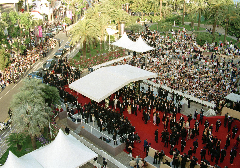 Lối vào và bục thảm đỏ liên hoan Cannes (DR)