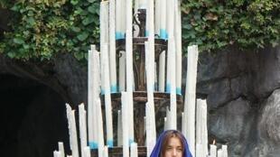 A artista apareceu nua diante do santuário de Lourdes, no sudoeste da França