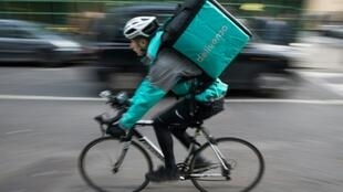 Investors, including Amazon, have delivered more cash to Deliveroo to help it fetch meals for clients in more cities