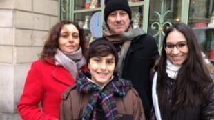 A família Spada veio de Blumenau (SC) passar o Reveillon de 2016 em Paris.