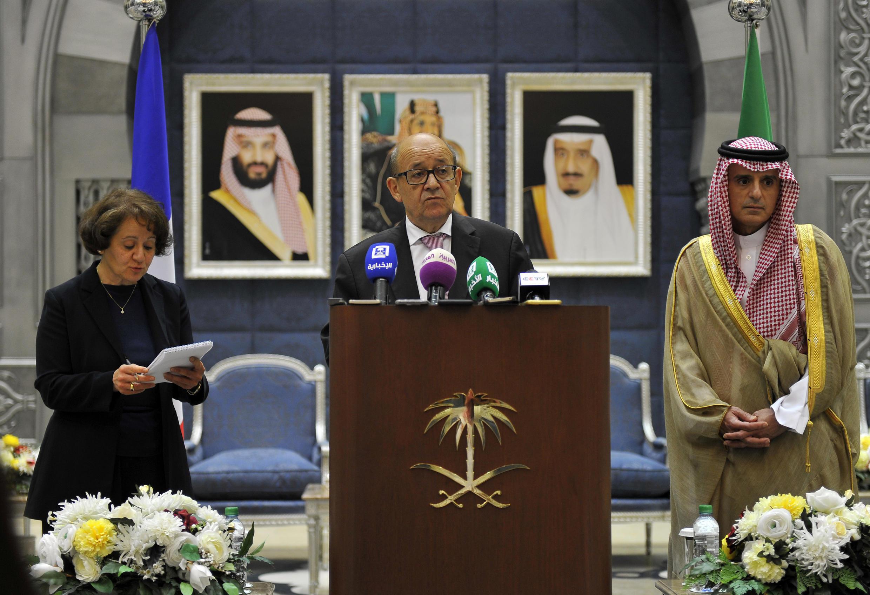 Ministan harkokin wajen Faransa Jean-Yves Le Drian tare da takwaransa na Saudiya  Adel al-Jubeir a birnin Riyad.