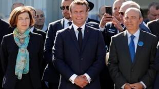 Le président Macron, Florence Parly, ministre de la Défense Florence Parly et Eric Trappier, président de Dassault Aviation, à l'inauguration du Salon du Bourget, le 17 juin 2019.