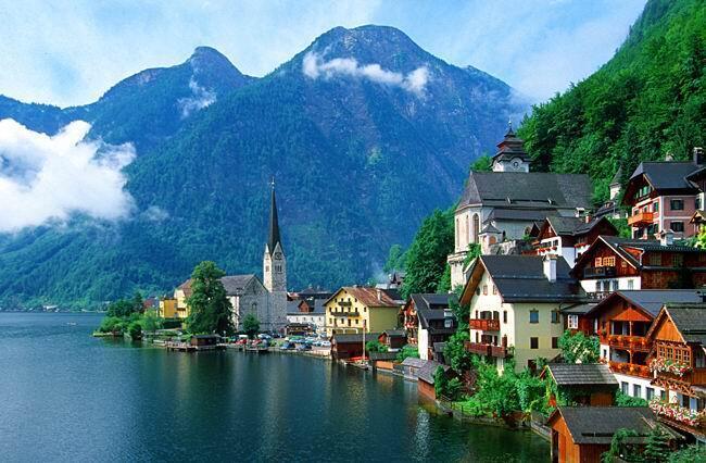 圖為瑞士湖光山色一景