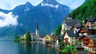图为瑞士湖光山色一景