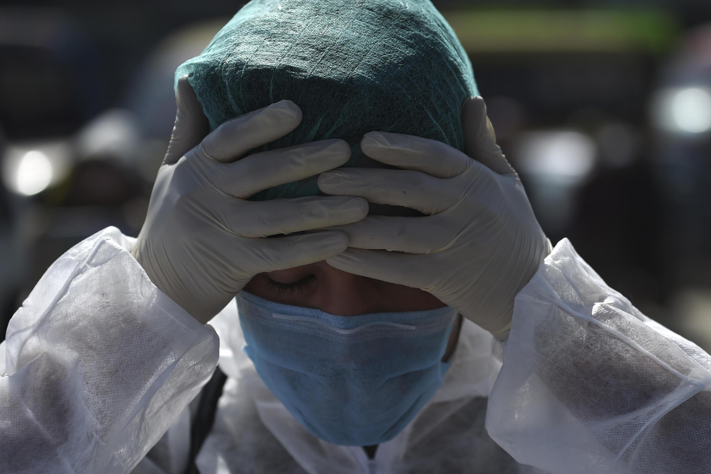 جهان، همچنان با بحران بیسابقه ناشی از شیوع ویروس کرونا مبارزه میکند و شمار مبتلایان و قربانیان این ویروس همهگیر هر روز افزایش مییابد