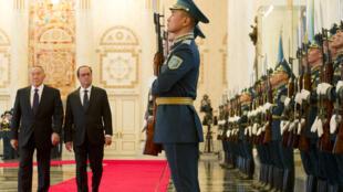 François Hollande est arrivé ce vendredi matin 5 décembre 2014 pour une visite officielle de 48h au Kazakhstan.