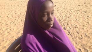 Adiza, 13 anos, a mais jovem dentre as mulheres sequestradas por Boko Haram em Damasak. Ela fugiu e conseguiu chegar até o campo de refugiados de Chétimari no Níger.