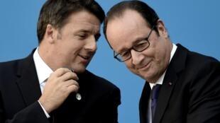 Matteo Renzi et François Hollande, font des déclarations conjointes lors du Sommet des économies méditerranéennes EU MED à Athènes, le 9 septembre 2016.