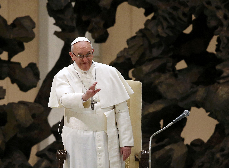 Đức Giáo hoàng Phanxicô trước báo giới ngày ngày 16/03/2013