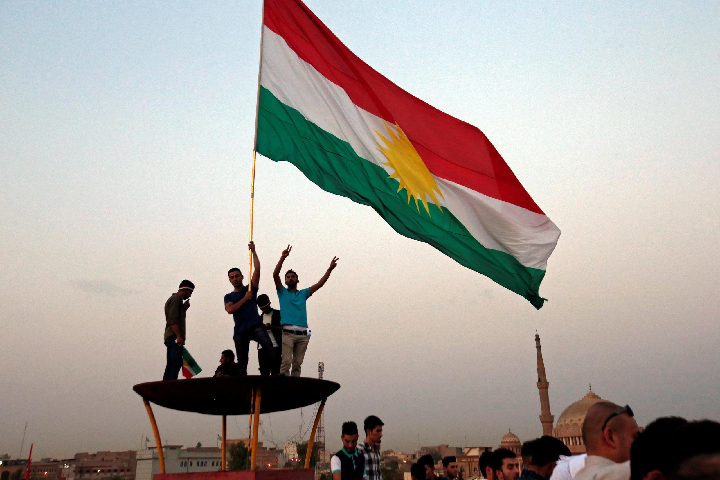 Kurds gather to defend the yes vote in the referendum