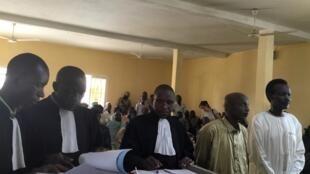 Hassan Boulmaye, (2e d) président du CCMSR, et Ahmat Yacoub Adam (d) porte-parole du groupe, ont été condamnés à la prison à vie par la Cour d'appel de Ndjamena, le 6 juin 2019.