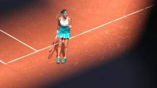 Kristina Madlenovic se qualifie en 1/4 de finale.
