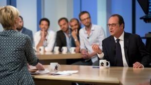 Франсуа Олланд на телеканале Canal+, 19 апреля 2015.