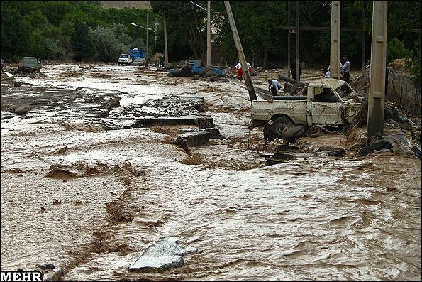 باران شدید در شمال غرب ایران باعث بروز سیل شد.