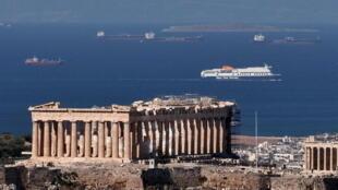2021-05-14T103728Z_1053189726_RC2JFN93RHBH_RTRMADP_3_HEALTH-CORONAVIRUS-GREECE-TOURISM