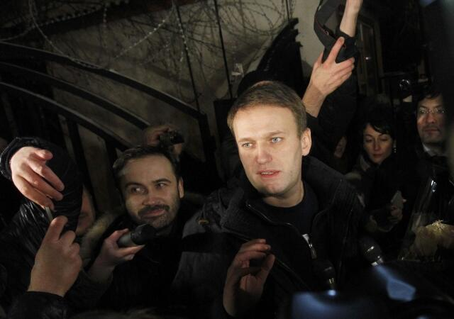 Алексей Навальный в день освобождения 21 декабря 2011 г.