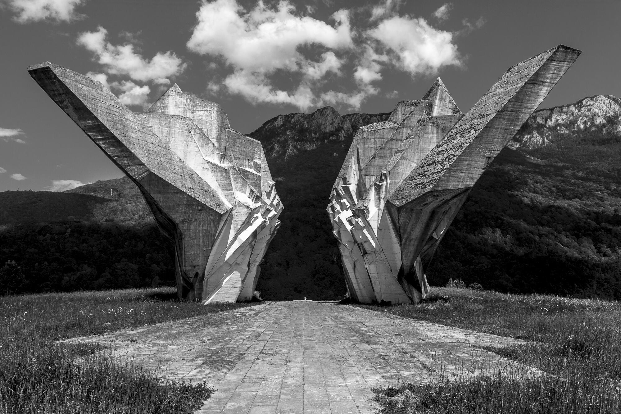 Le monument à la bataille de Sutjeska du sculpteur Miodrag Živković, inauguré en 1971. Bosnie-Herzégovine, 2014.