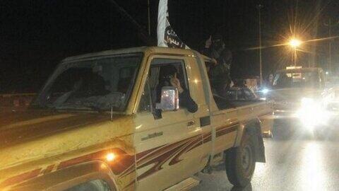 Un véhicule d'Ansar al Charia durant les combats à Benghazi contre les forces du général Khalifa Haftar.