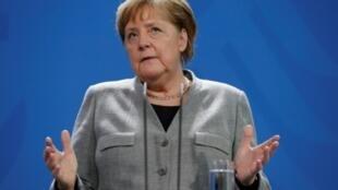 Les États-Unis ont espionné des responsables politiques en Europe, dont la chancelière allemande Angela Merkel