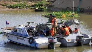 Les autorités cambodgiennes recherchent toujours des corps qui pourraient être tombés dans l'eau lors du drame.
