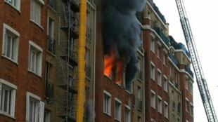Lors de l'incendie du 134 boulevard Brune, à Paris, le 11 juin 2020.